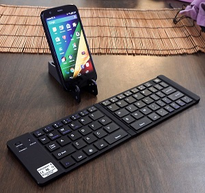 c590286544a Lingo Folding Bluetooth Keyboard by Lapworks - Computer Room Services
